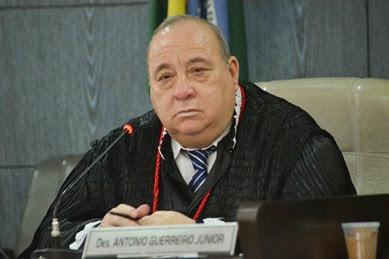 Guerreiro Júnior decretou ilegalidade da greve dos professores