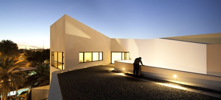 fachada-casa-mop-agi-architects