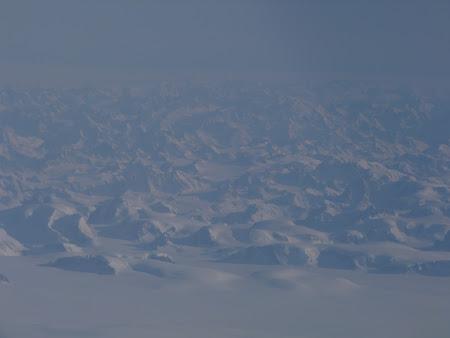 Zborul spre Canada: Groenlanda vazuta de sus