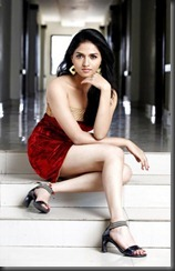 sunaina_latest_hot_spicy_sitt_pics