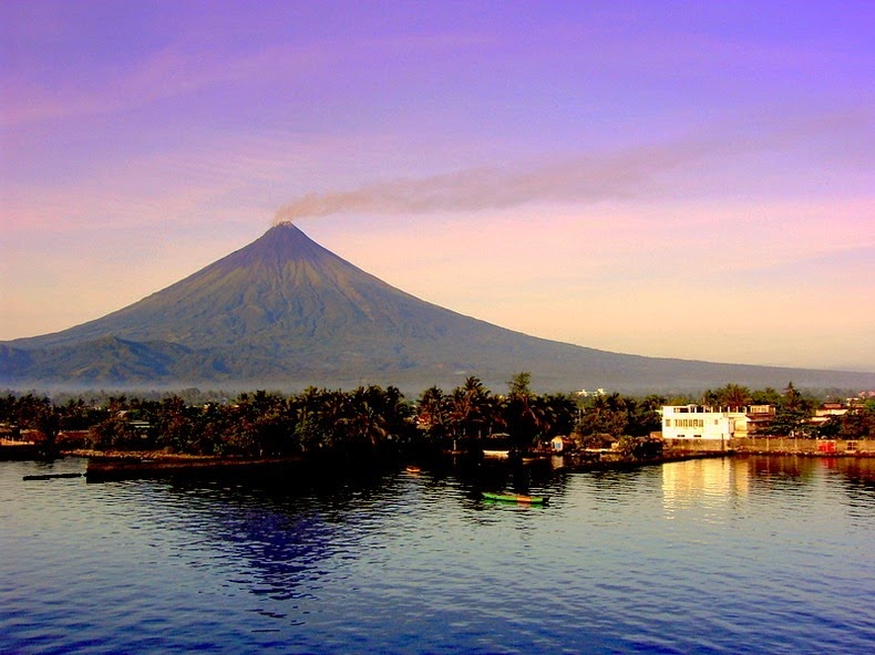 Mayon Volcano | flickr.com