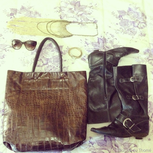 look cardigã, bota montaria, legging e cachecol