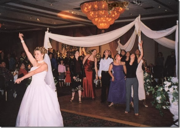 cat-toss-weddings-15