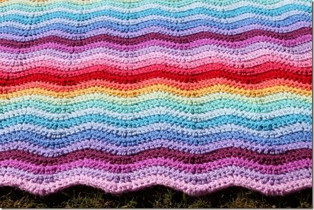 Crochet ripple blanket. sewcooklaughlive.blogspot.com.au/