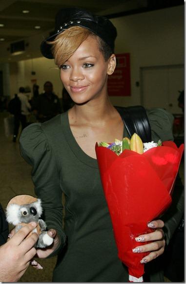 Rihanna Rihanna Arrives Australia Promotional ahvR91RHOiKl