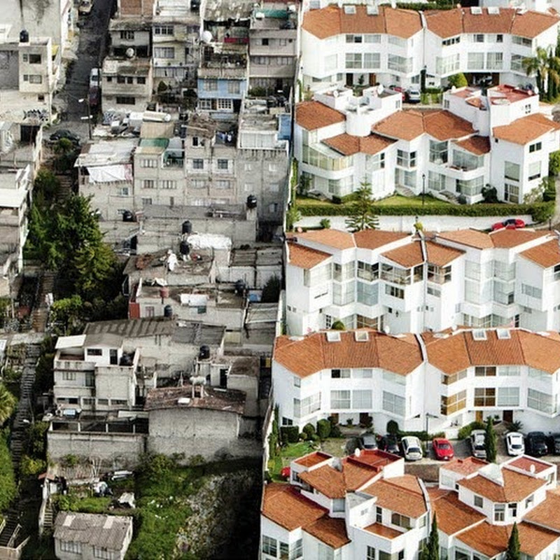 Oscar Ruíz's Aerial Photos of Mexico's Rich And The Poor