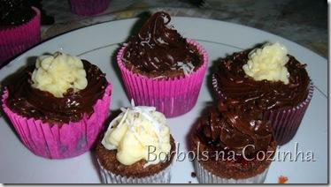 Cupcake de Chocolate com Morango1d