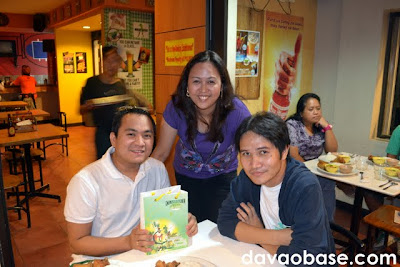 Leah with Meox Sampayan and Jonas Lamigo