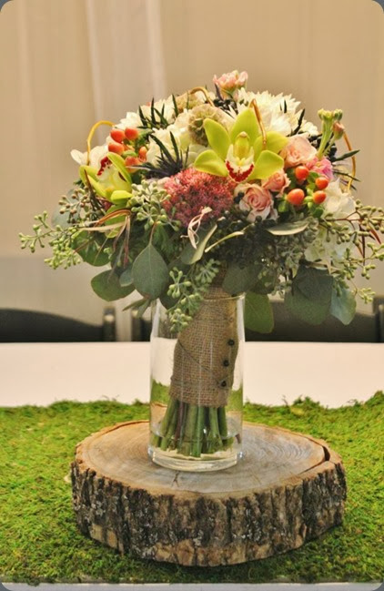 bouquet as centerpiece 375940_10151258948833413_184382114_n  la petite fleur mn