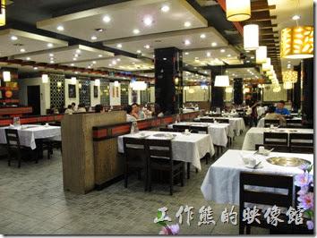 上海-干鍋居(貴州黔菜)。「干鍋居」東方店的用餐環境。