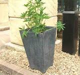 Nowoczesna waza z efektem starego ołowiu, P679, wysokość 48 cm, szerokość 31 cm, głębokość 31 cm,<br /> podstawa: 19,7cmx19,7cm