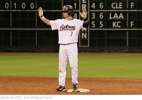 'Craig Biggio' photo (c) 2007, Ed Schipul - license: http://creativecommons.org/licenses/by-sa/2.0/