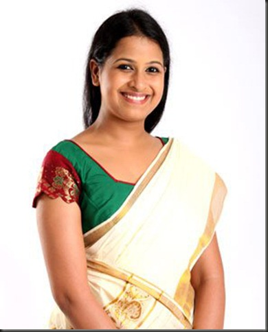 actress sadhika in kerala saree