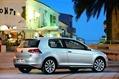 2013-Volkswagen-Golf-51