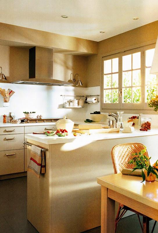 Dise o de cocina pr ctica con estilo tradicional idecorar for Cocina practica