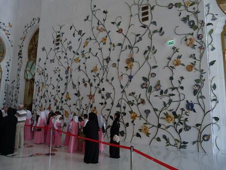 7. interior moschee.JPG