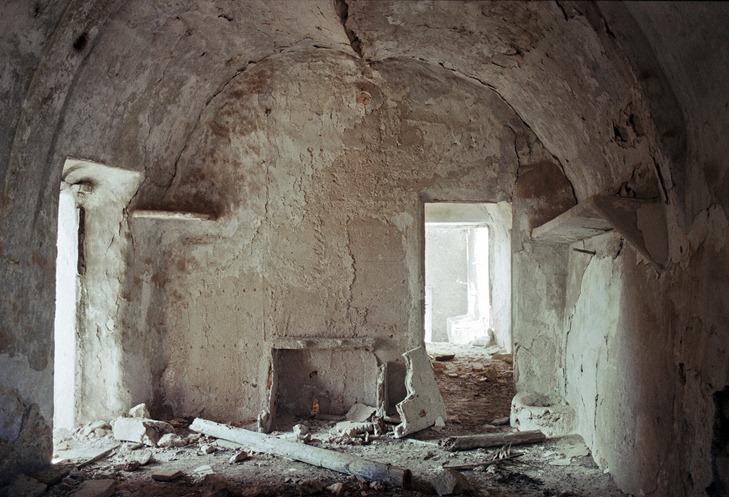524 interior de  casa abandonada