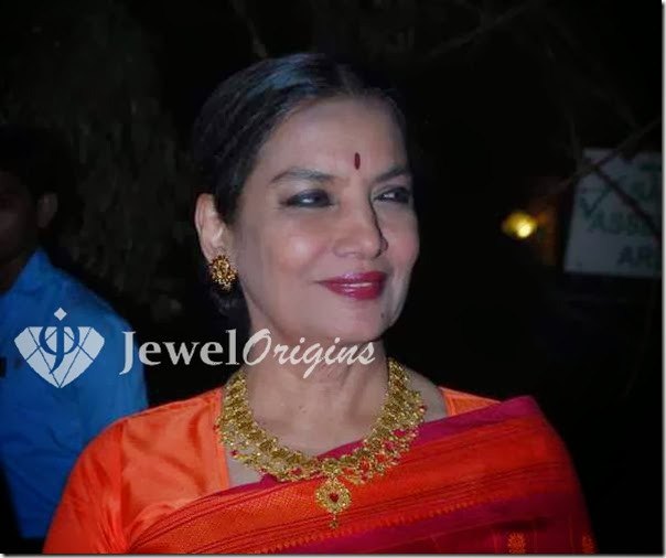 Shabana_Azmi_Gold_Necklace