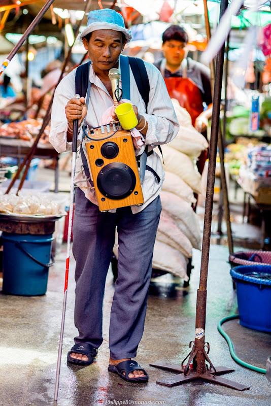 Nonthaburi Market, le mendiant aveugle