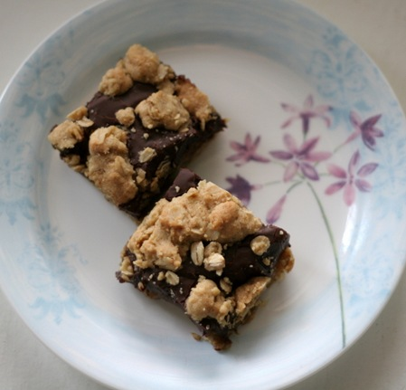 oatmeal fudge crumble bars 2