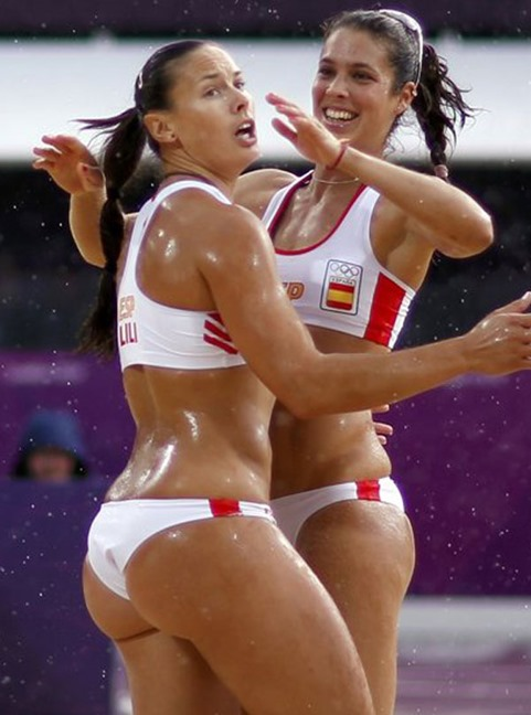 liliana-fernandez-steiner-beach-volleyball-bums-12