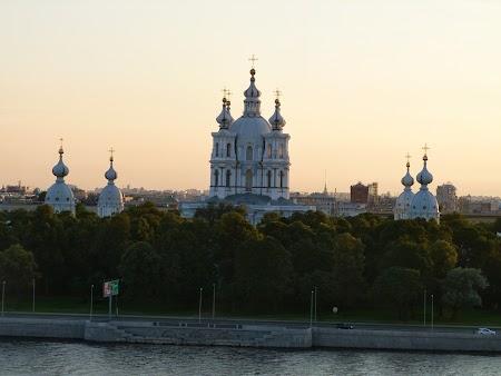 Obiective turistice St. Petersburg: Catedrala Smolnai