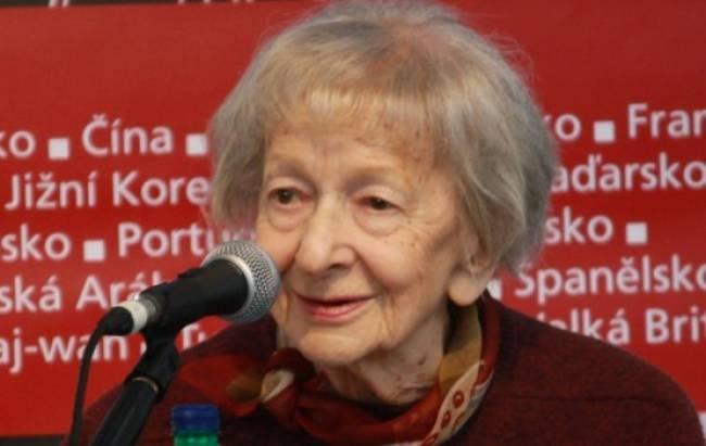 Πέθανε η νομπελίστρια ποιήτρια Βισλάβα Σιμπόρσκα