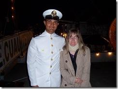 2013.06.10-110 Stéphanie et un marin du Cuauhtemoc