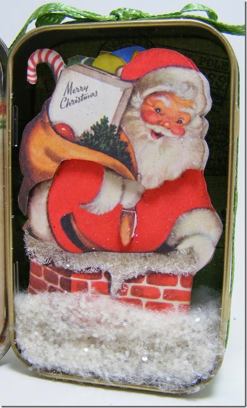 LeAnne Pugliese WeeInklings Right Inside Vintage Christmas Altoid Tin Altered Art Crafty Secrets 2014