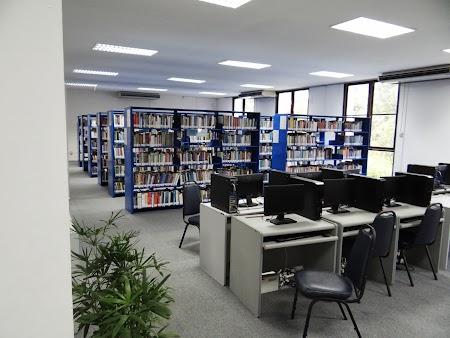 37. Biblioteca Webster University.JPG