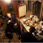 Скромное жилище Василия Хахеля и он сам.