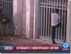 Filho família detido e logo libertado.Jun 2013
