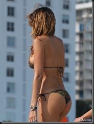 aida-yespica-bikini-0123-18-675x900