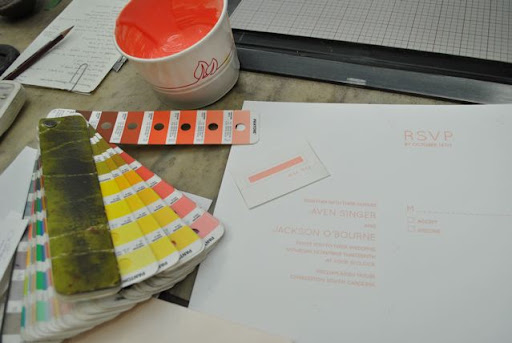 When mixing colors, it's important to do several tests.