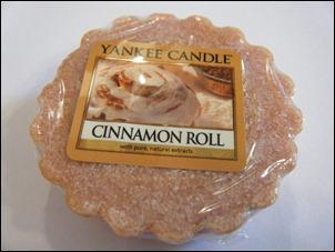 Yankee Candle Cinnamon Roll