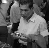 Shanghai - Pets market - L'homme au criquet