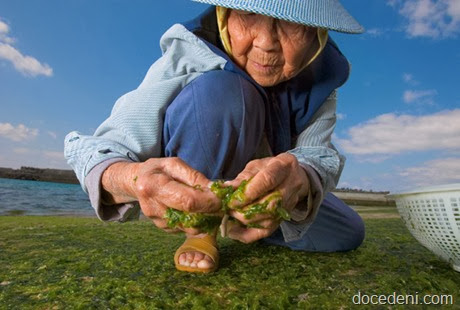 woman-seaweed