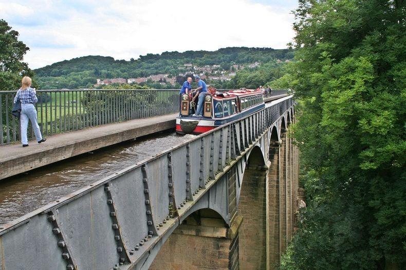 Pontcysyllte-Aqueduct-8