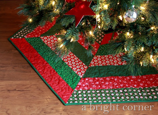 A Bright Corner: Quilted Christmas Tree Skirts