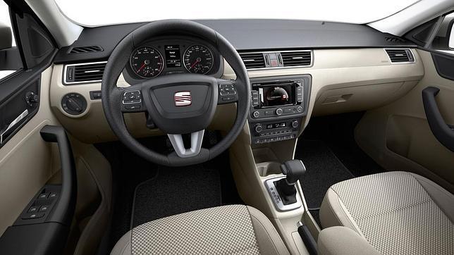 2013-Seat-Toledo-Interior-1.jpg?imgmax=800
