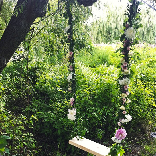 swing 1170832_573889265990205_1415585880_n blush and bloom