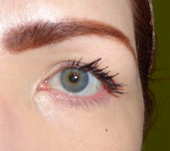 after shot showing Magic Instant Bigga Lashes