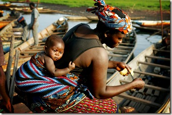 travel-picture-Africa-Benin-mother-child-phitar