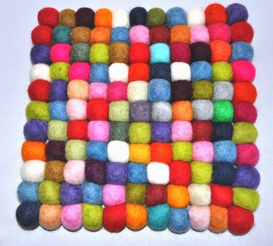Felt Ball Table Mat