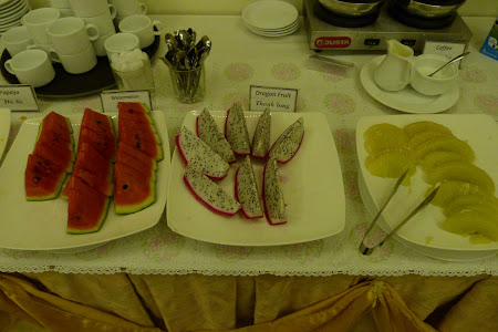 2. mic dejun hotel Le Duy.JPG