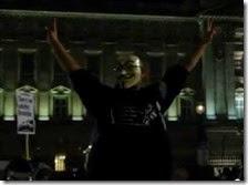 Manifestanti Anonymous