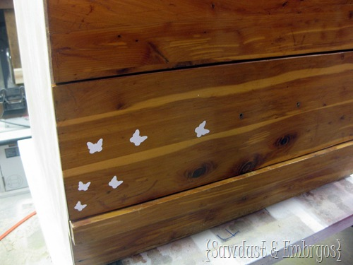 Using Vinyl as a Stencil on Furniture! {Sawdust and Embryos}