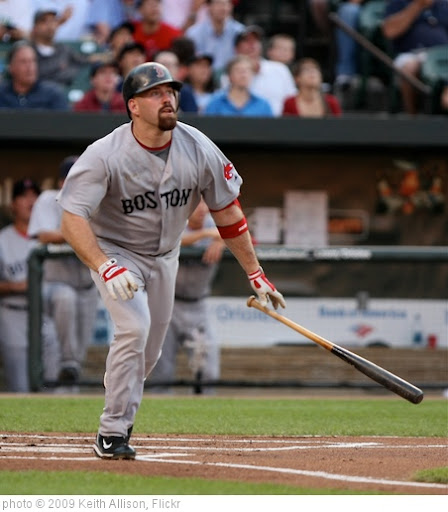 'Kevin  Youkilis' photo (c) 2009, Keith Allison - license: http://creativecommons.org/licenses/by-sa/2.0/
