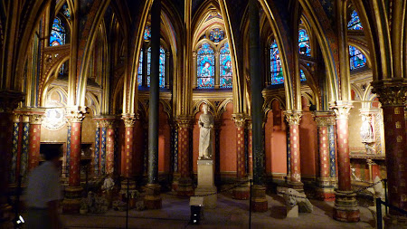 Obiective turistice Paris:  St. Chapelle