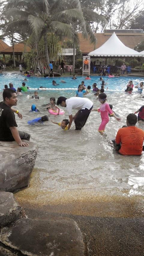 Swimming pool selama 2 hari berturut turut di felda residence tekam